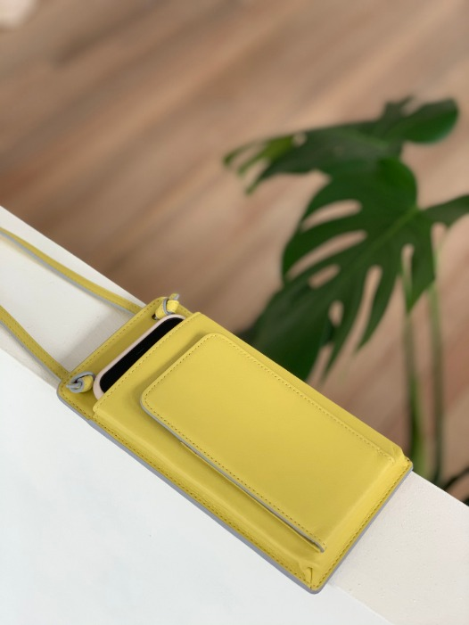 Classic Flat Purse - Limelight